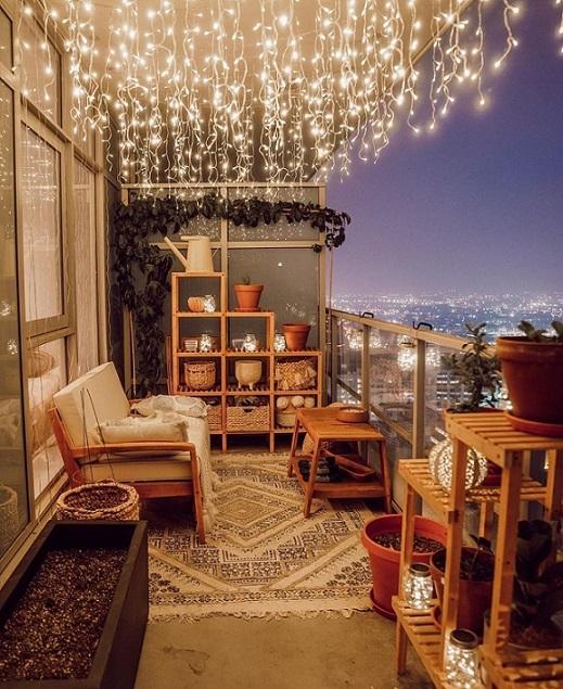 idee per arredare piccole terrazze con luci e complementi
